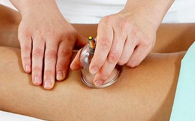 Баночный массаж от целлюлита ускоряет кровообращение и восстановливает процессы обмена в коже на глубоких уровнях