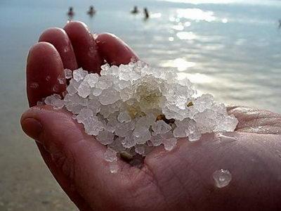 Морская соль от целлюлита улучшает состояние кожи и приводит метаболизм организма в норму