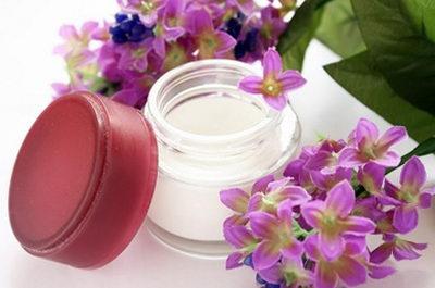 Антицеллюлитный крем в домашних условиях поможет вернуть коже гладкость и упругость