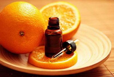 Апельсиновое масло от целлюлита является легкодоступным средством для каждой женщины