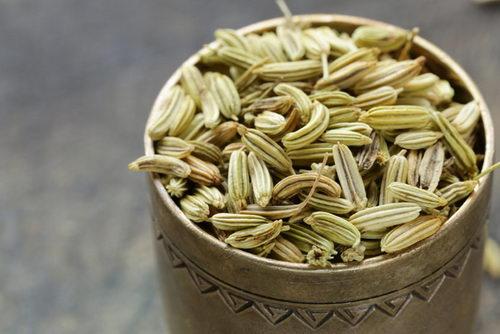 Семена фенхеля от задержки воды в организме